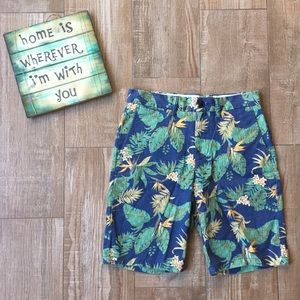 Old Navy 🌿 Men's Tropical Ultimate Slim Shorts
